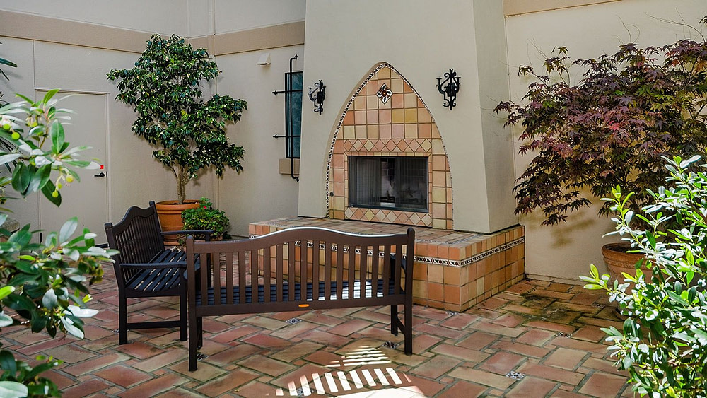 Downtown San Carlos One Bedroom Condo for Sale at 618 Walnut St Unit 403 - Fireplace in Complex Courtyard